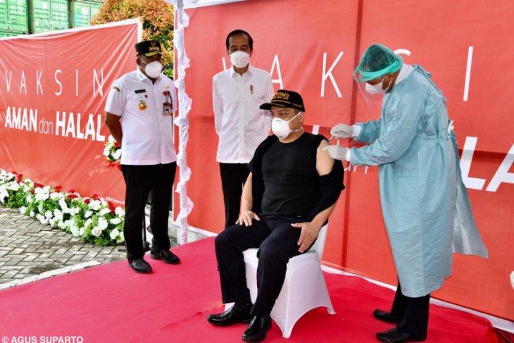 Presiden Jokowi tinjau vaksinasi COVID-19 di Kabupaten Maluku Tengah