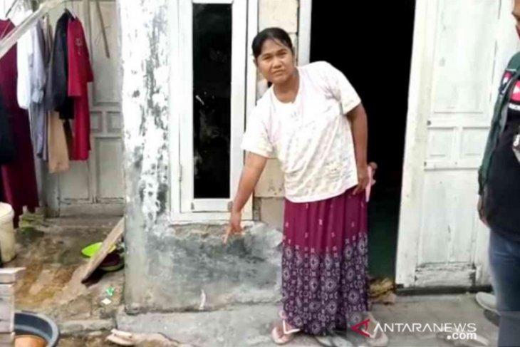 Heboh, bayi berkelamin perempuan ditemukan di halaman rumah warga Bekasi (video)