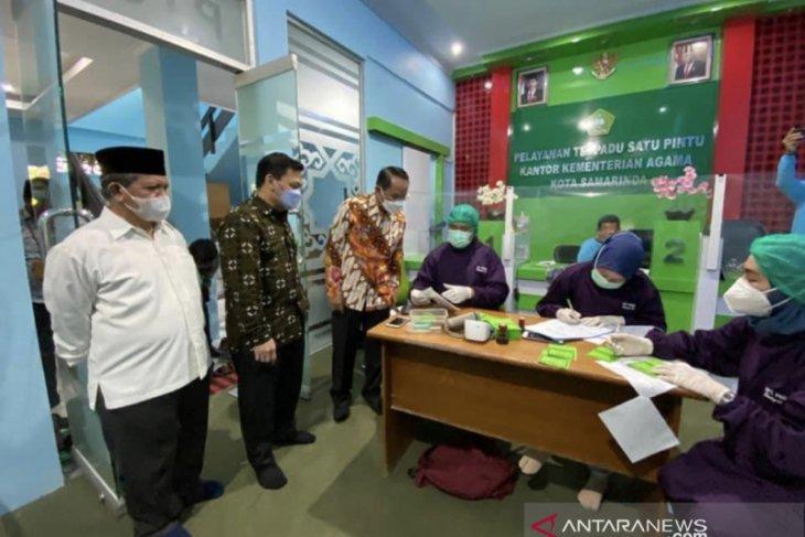 Puluhan calon haji asal  Kota Samarinda divaksin COVID-19