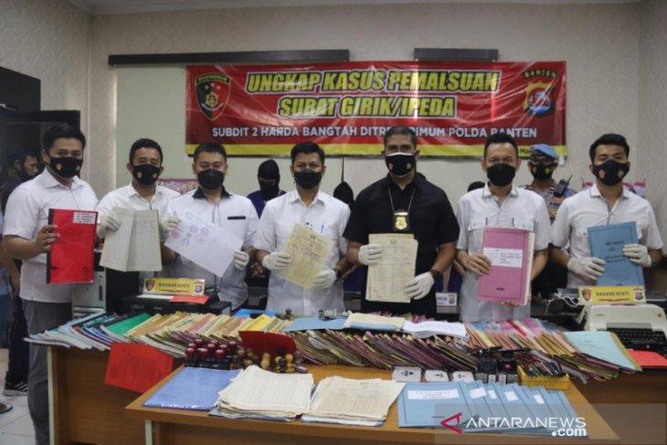 Ditreskrimum Polda Banten bongkar sindikat pemalsu dokumen pertanahan