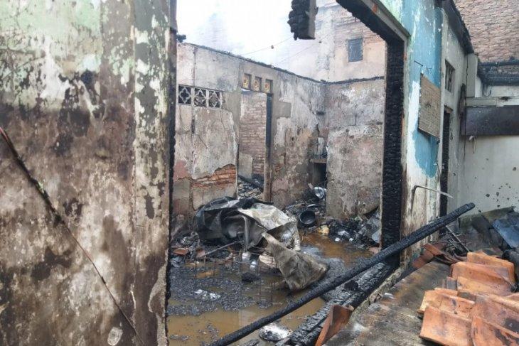 Kebakaran hanguskan11 rumah di Matraman