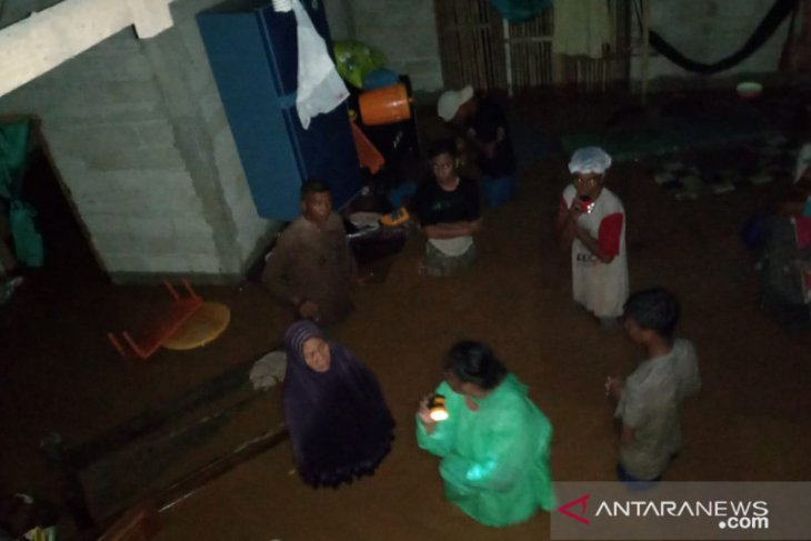 Banjir ketinggian 1,5 meter merendam wilayah Gorontalo Utara
