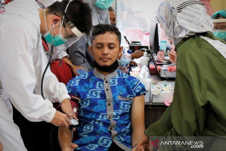 2.816 guru di Singkawang dapatkan dosis pertama vaksinasi COVID-19