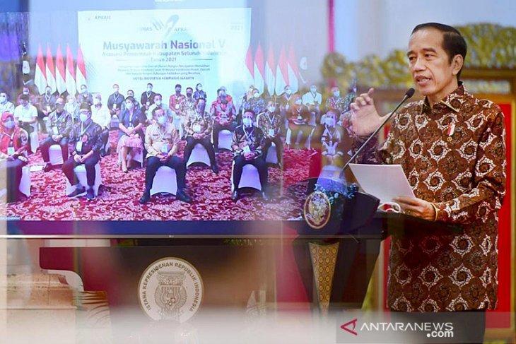 Anggaran jangan diecer, pesan  Presiden Jokowi ke para bupati