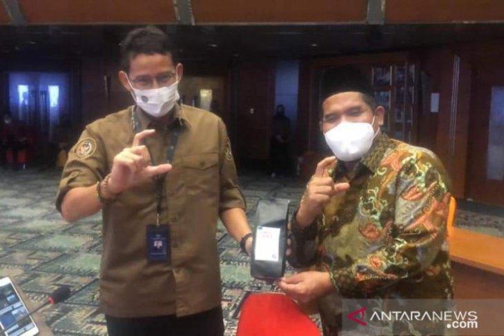 Bupati Sarkawi kenalkan wisata kopi Gayo ke Sandiaga Uno