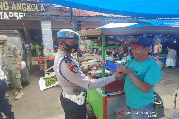 Operasi yustisi, Polres Tapsel kembali bagikan masker kepada masyarakat