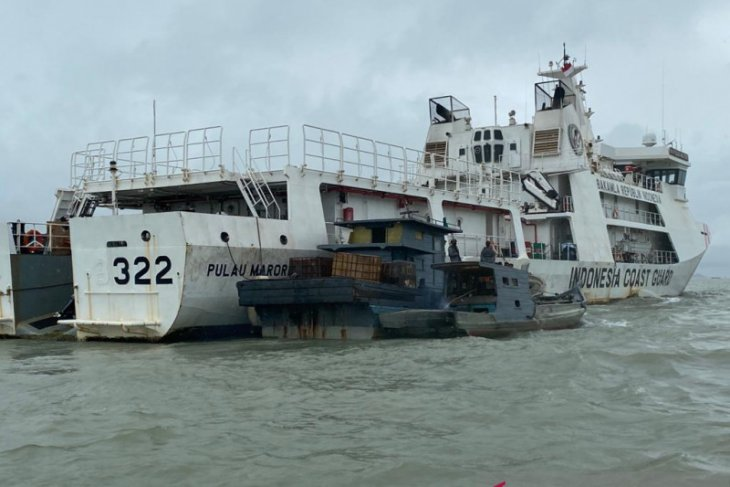 Bakamla gagalkan transfer BBM ilegal di Perairan Kepri