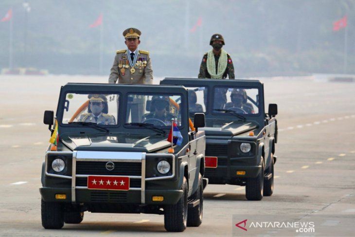 Aksi protes di Myanmar terus menentang militer