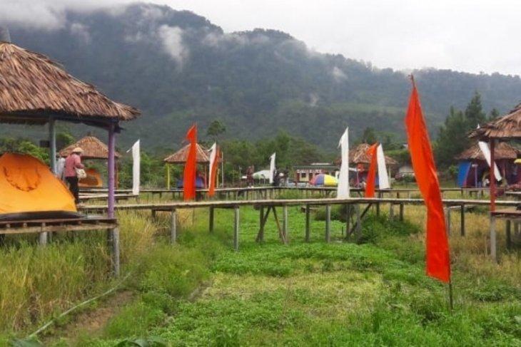 Ratusan wisatawan kunjungi wisata Tidur Sawah Pamah Semilir Langkat