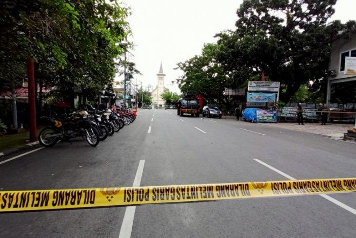 Round Up - Bersatu mengutuk  bom  di Katedral Makassar