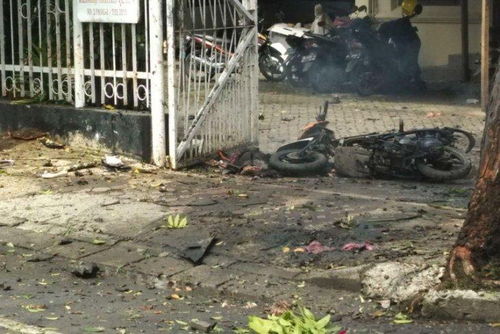 Cerita suami istri lolos dari ledakan bom Katedral
