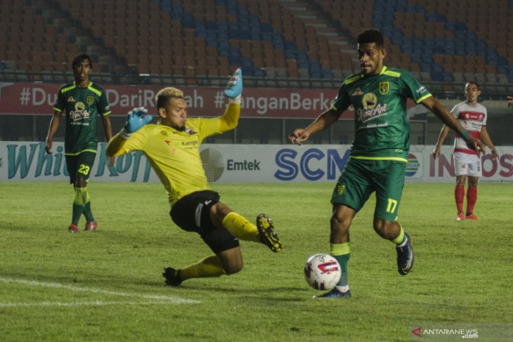 Piala Menpora: Persebaya tetap waspada meski puncaki Grup C
