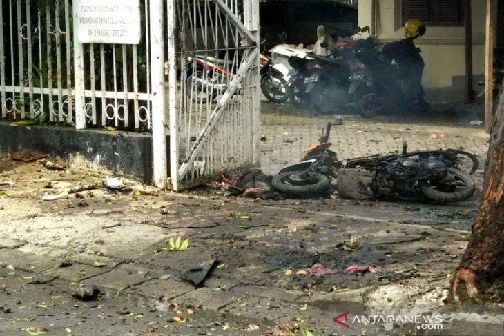 Pelaku bom bunuh diri diduga seorang perempuan