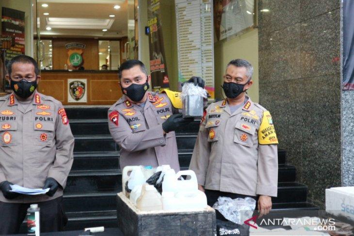 Densus 88 tangkap 4 tersangka teroris di Bekasi dan Condet