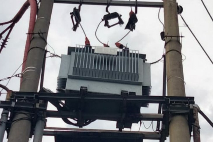 10 gardu PLN terdampak kebakaran Kilang Balongan Indramayu