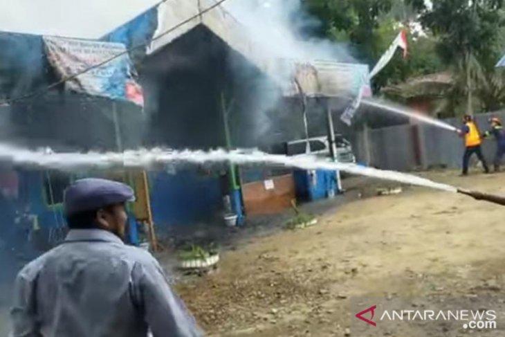 Kantor PDAM Bengkayang terbakar