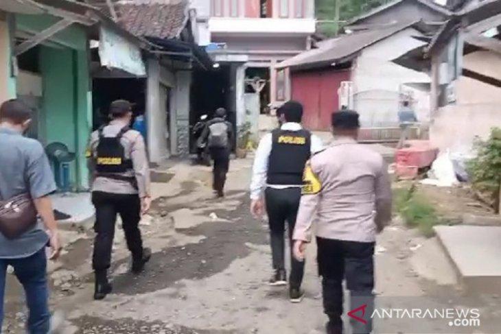 Lagi, Densus 88 gerebek terduga teroris di Sukabumi