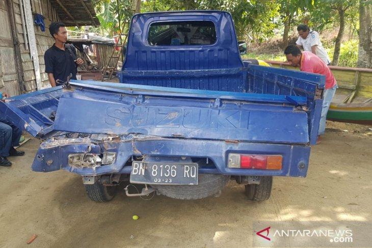 Rem blong, Fuso tabrak Pick up dan sepeda motor di jalan Pangkalpinang-Muntok