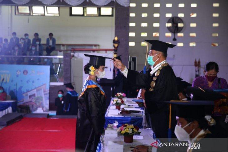 Rektor minta lulusan Undiksha bisa