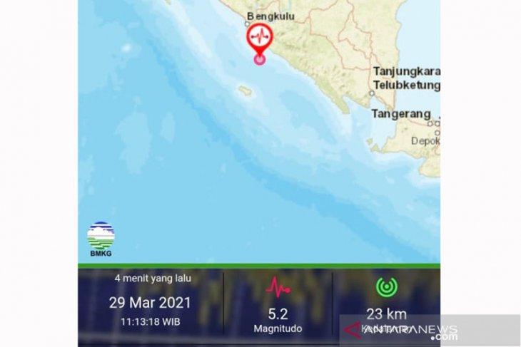 Getaran gempa M 5,2 dirasakan cukup kuat warga Kota Bengkulu