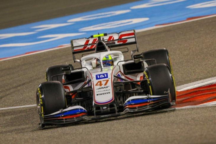 Perasaan Schumacher campur aduk usai rampungkan debut di F1