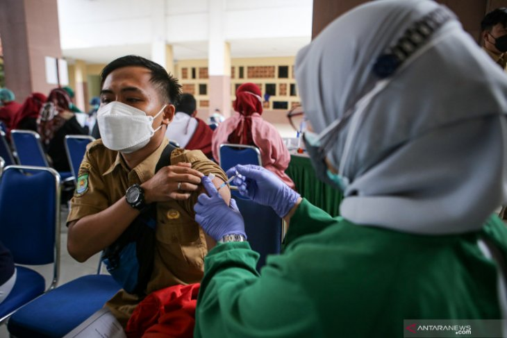 80 persen guru di Kabupaten Tangerang sudah divaksinasi COVID-19
