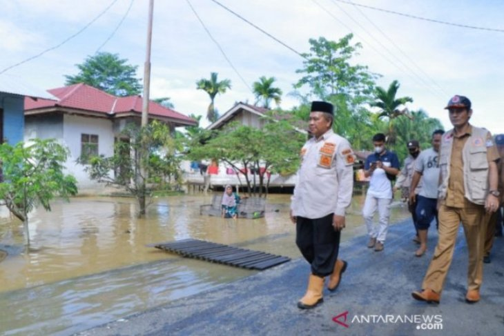 Torrential rains trigger flooding in West Aceh's 14 villages