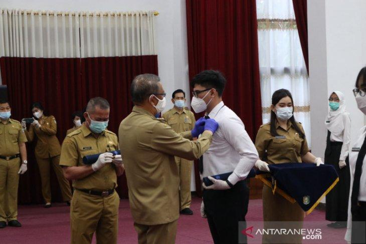 Gubernur Kalbar serahkan SK pengangkatan CPNS lulusan Politeknik STAN