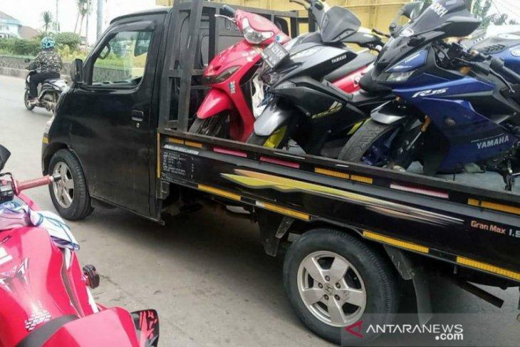 Sembilan motor knalpot bising terjaring razia Polres Metro Bekasi