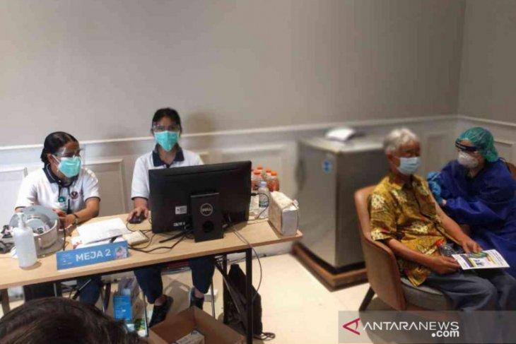 5.917  warga lansia di Kabupaten Bekasi sudah divaksin COVID-19