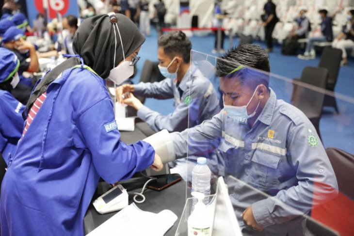 PLN sukseskan program Vaksinasi PLN's Day