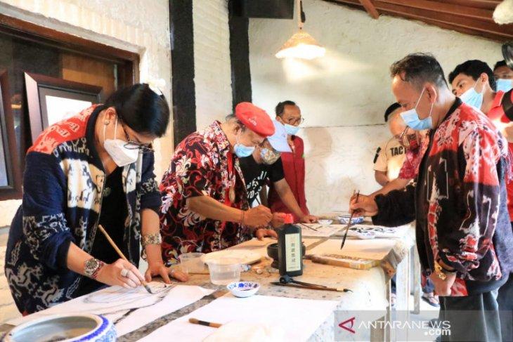 Putri Koster minta seniman sumbang pemikiran untuk pembangunan Bali