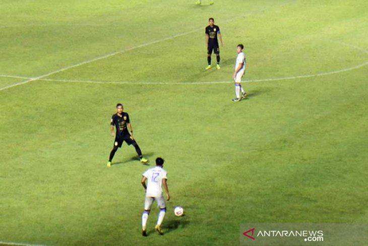 PSIS kalahkan Arema 3-2