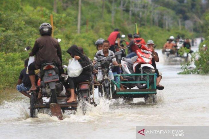 Dua desa di Aceh Barat masih terendam banjir, 12 desa lain mulai surut