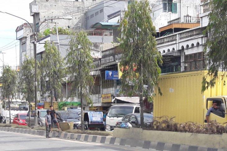 Ratusan kendaraan terjebak macet di Jalinsum Stabat