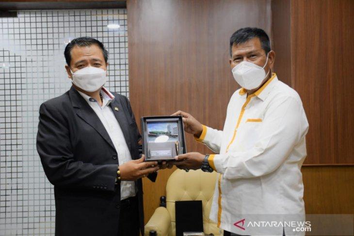 Bupati Kayong Utara datangi Komisi V DPR RI perjuangkan status jalan