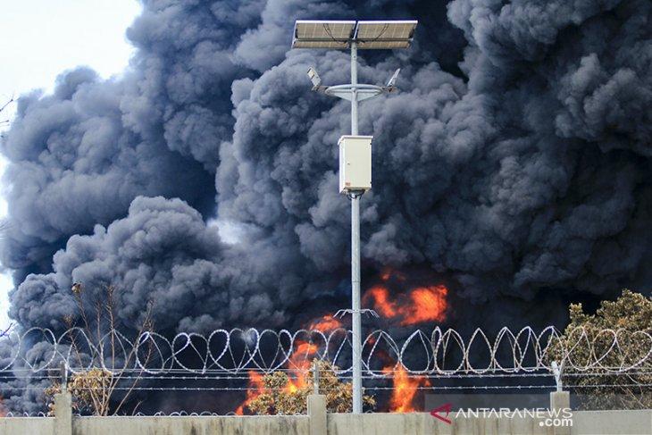 Hari ketiga kebakaran tangki minyak Pertamina