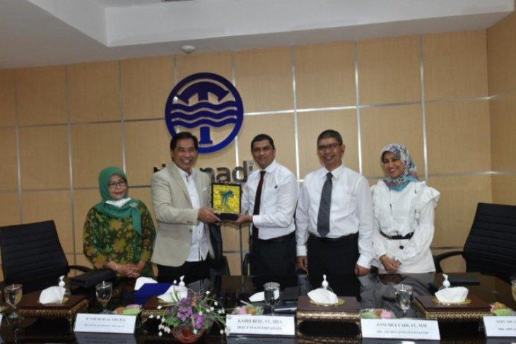 PDAM Tirtanadi Jalin MoU dengan Perumda Air Minum Tugu Tirta Malang.