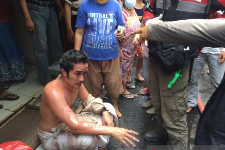 Kebakaran  di Rawamangun, dua orang alami luka bakar