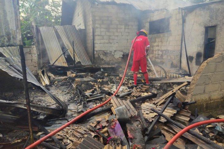 Tim Pemadam Kebakaran PT Timah di UPLB Belinyu siaga padamkan kebakaran