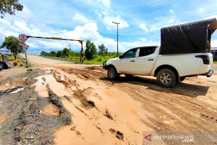Ruas Jalan Margasari-Marabahan Segera Diperbaiki