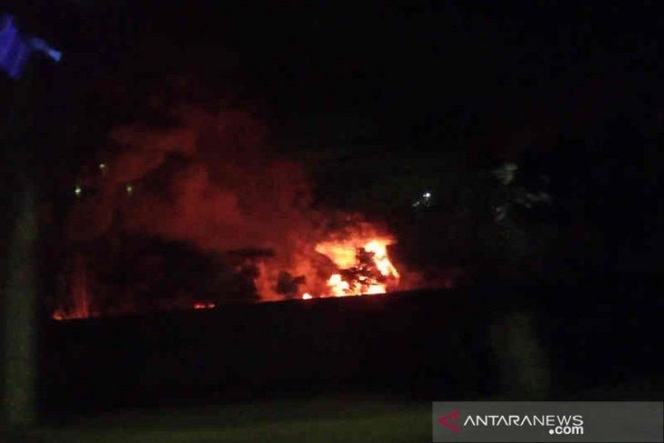 Pertamina: Tinggal satu titik kobaran api di Kilang Balongan