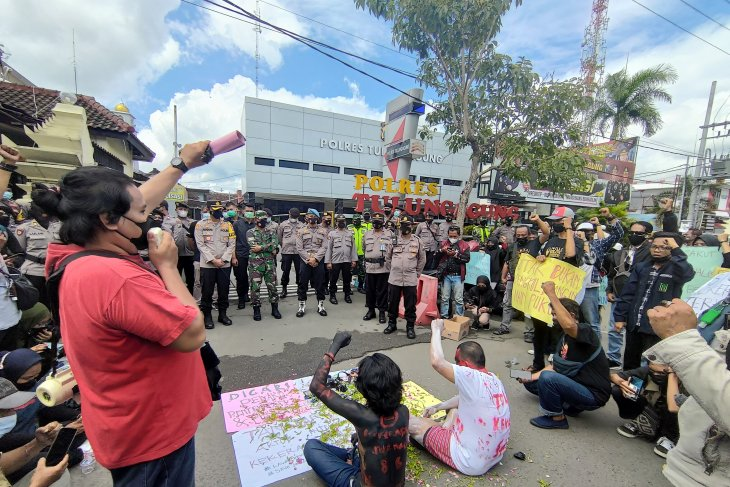 Aliansi jurnalis se-Tulungagung tuntut pengusutan kasus penganiayaan wartawan Tempo