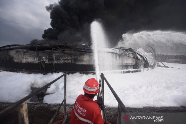 Serangan teroris penyebab kebakaran kilang minyak Balongan? Cek faktanya