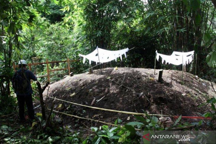 Ahli geofisika Unand paparkan penyebab meningginya tanah makam di Padang Pariaman