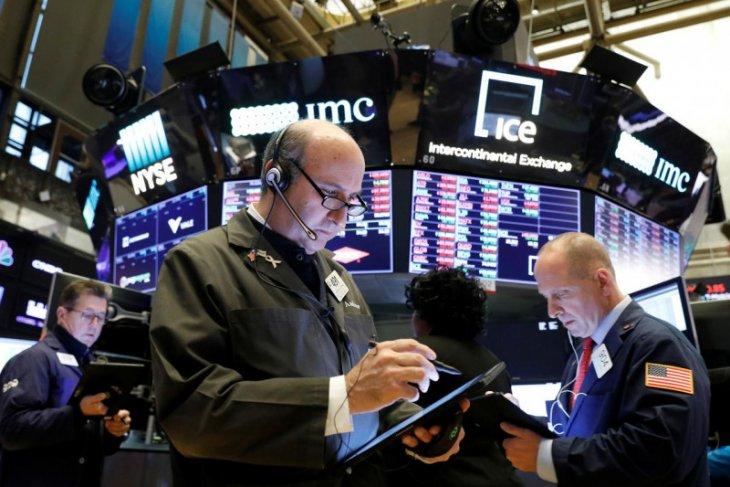 Wall Street berakhir  merosot terseret teknologi, Dow terpangkas 104,41 poin