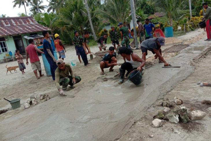 TNI AL membangun Pulau Soop Papua Barat jadi kampung bahari nusantara