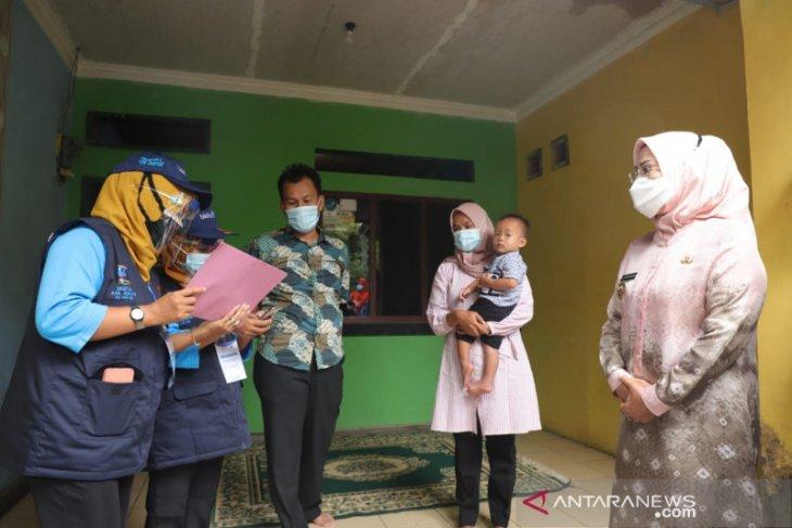Bupati Serang terjun langsung dampingi TPD mendata warga
