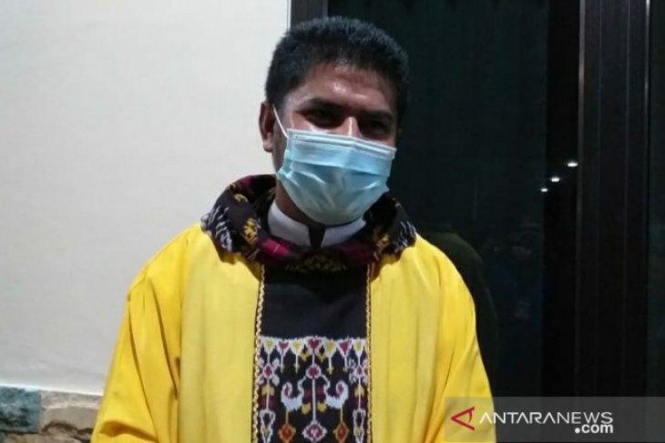 Pastor ajak umat katolik tidak terpancing aksi bom di Makassar