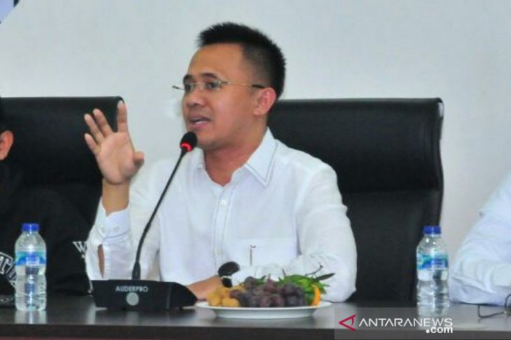 Anggota DPR Mufti Anam minta transparansi harga program vaksinasi gotong rotong